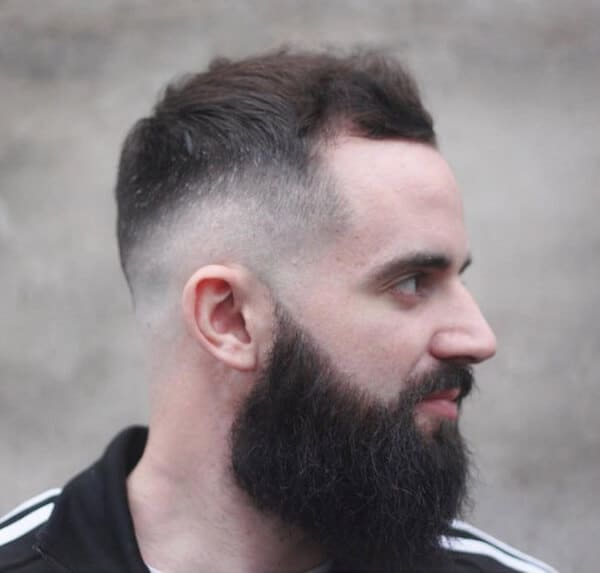 Macho Hairstyles For Men With Round Faces And Chubby Cheeks
